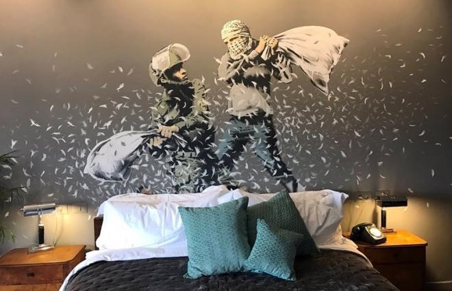Massive Attack fournit la bande sonore du nouvel hôtel de Banksy en Palestine