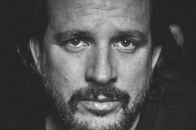 Vidéo : Laurent Garnier, Seth Troxler et Carl Cox parlent des abus et des sacrifices de la vie de DJ