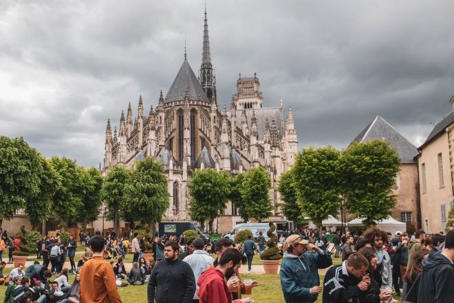 Orléans : Dan Shake, Paula Tape, Priku prennent les commandes d'un jardin en plein cœur de la ville