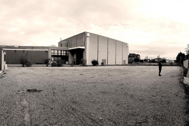 Paris : un studio de cinéma transformé en warehouse géante pour 10h de minimal avec Nicolas Lutz