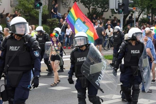 En Pologne, la communauté électronique appelle au soutien face à la montée des attaques anti-LGBTQ+