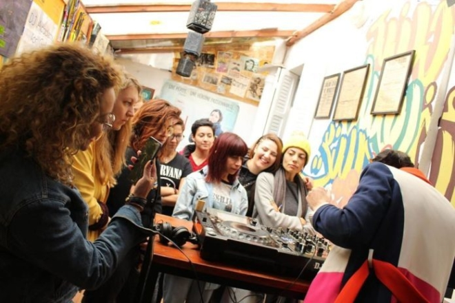La Tunisie accueille la première académie de DJ dédiée aux femmes
