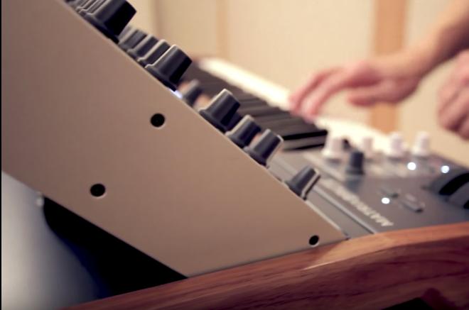 Vidéo : Le compositeur Alexandre Desplat utilise un synthé Arturia pour la B.O. de 'Valerian et la Cité des Milles Planètes'