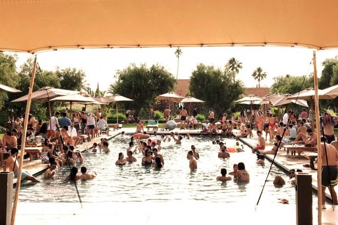 Maroc : Un festival house et techno en bord de piscine et aux pieds de l'Atlas