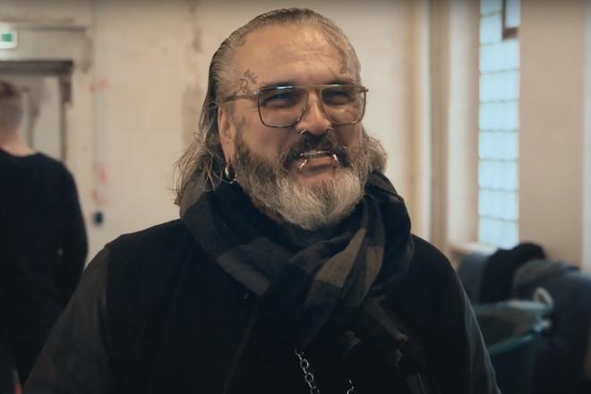Le film Berlin Bouncer part à la rencontre de trois légendaires physios de la capitale allemande