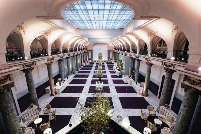 Paris: Derrick May présente son projet Hi Tek Soul dans une ancienne banque du 1er arrondissement