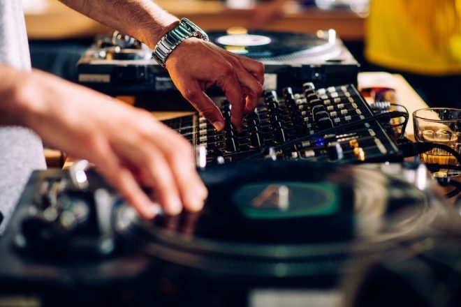 Playlist: 50 pépites house oubliées qui devraient faire leur retour sur le dancefloor
