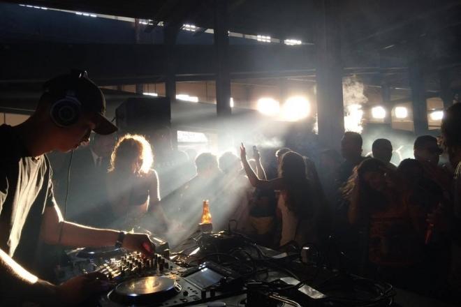 Comment hypnotiser un dancefloor comme les plus grands DJs