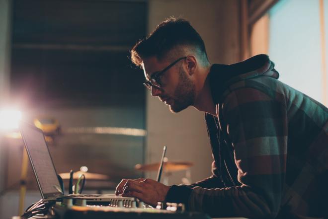 Sony Music devient le premier label à monétiser les remixes, edits et bootlegs illégaux