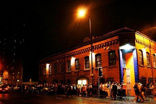 7 videurs du club de Manchester Factory 251 jugés pour violences aggravées