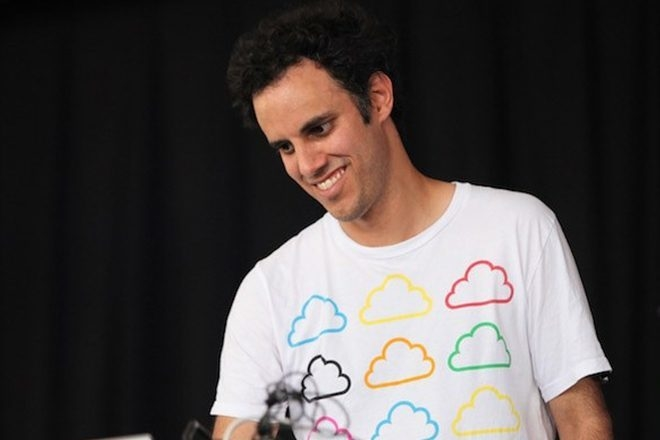 Four Tet va pouvoir sortir son fabuleux edit de Nelly Furtado