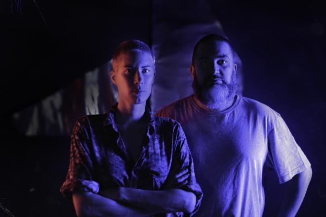 La Fraîcheur et Leonard de Leonard dévoilent leur live acid techno modulaire avec 'Sang Chaud'