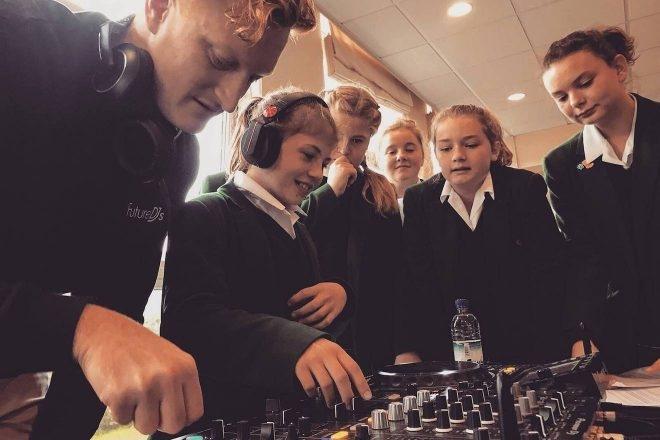 Au Royaume-Uni, le DJing rapporte des points au brevet
