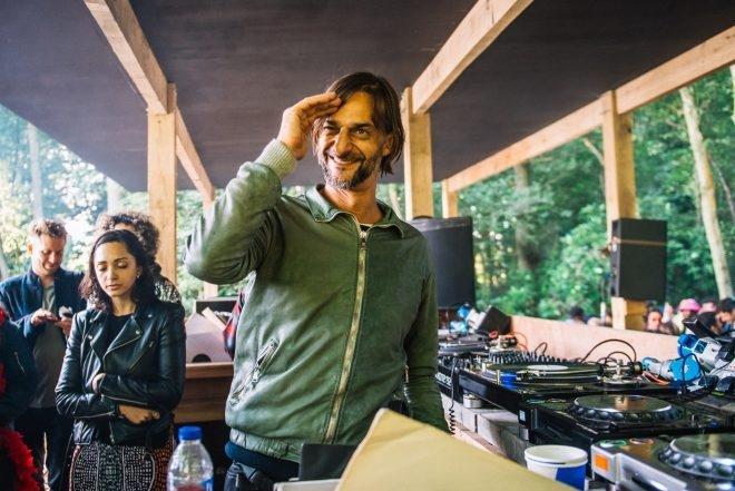 Playlist : 50 morceaux techno capables de réveiller n'importe quel dancefloor