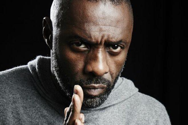 Idris Elba en DJ raté dans la série 'Charlie, monte le son'