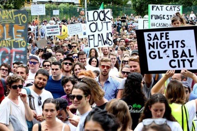 Manifestation à Sydney pour défendre le testage de drogues en festival
