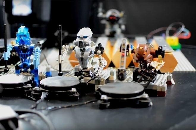 Un cover de Kraftwerk interprété par des LEGO