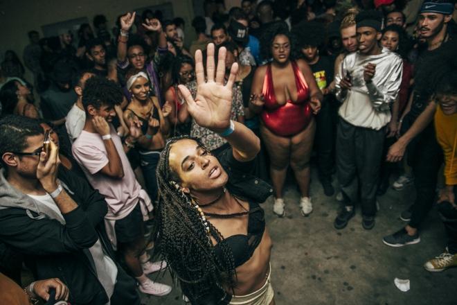 Les soirées militantes déjantées du collectif queer brésilien Batekoo débarquent à Paris