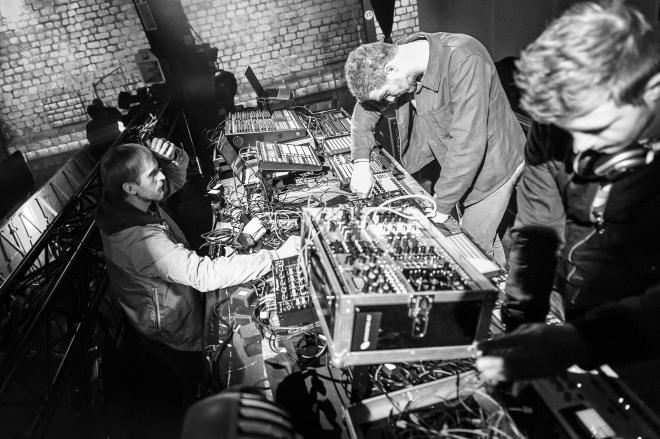 Möd3rn, le trio formé d'Electric Rescue, Roman Poncet & Maxime Dangles sort son premier album