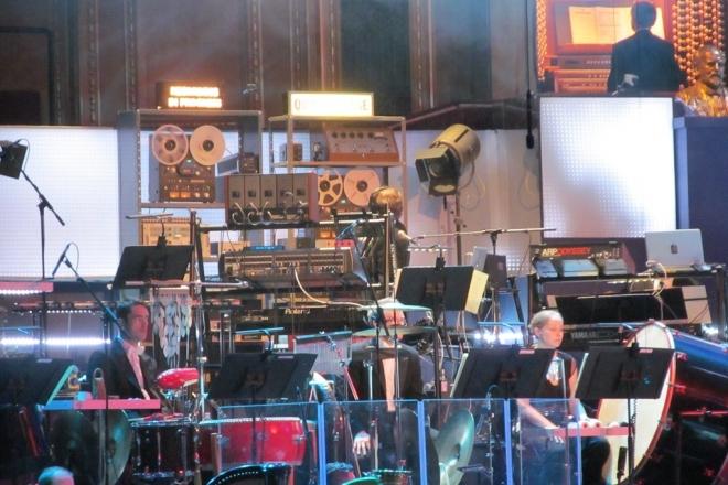 Les compositeurs du thème de Dr. Who veulent faire d'Internet leur instrument
