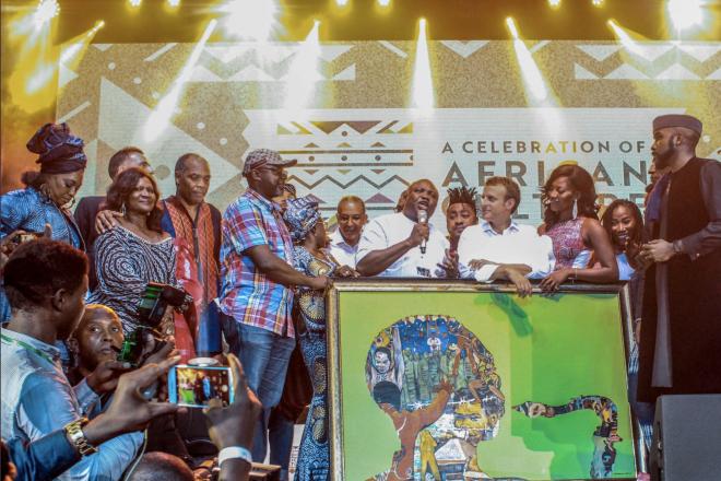 Macron a célébré la créativité africaine dans le club de Fela Kuti au Nigeria
