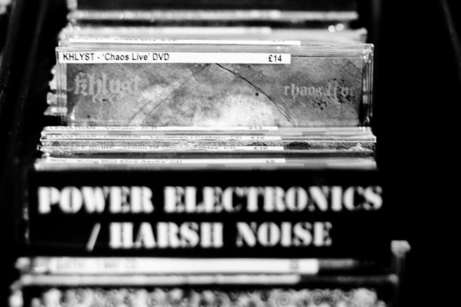 Paris s'offre un nouveau disquaire où digger des pépites synthwave et post-punk