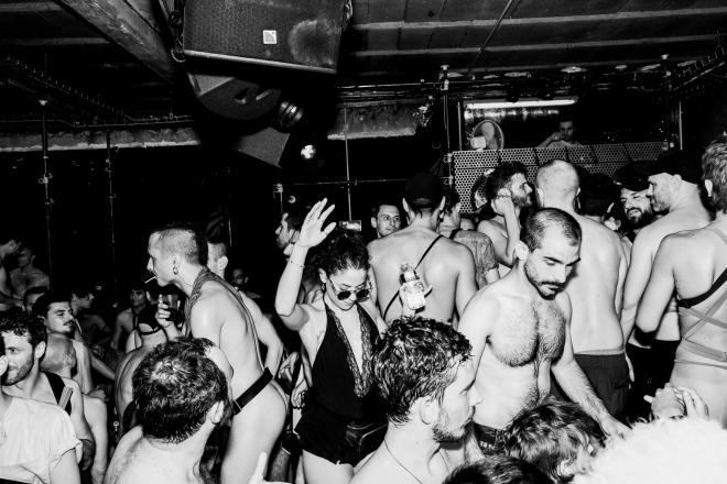 L'ambiance surchauffée des soirées underground Spectrum dans une série de podcasts