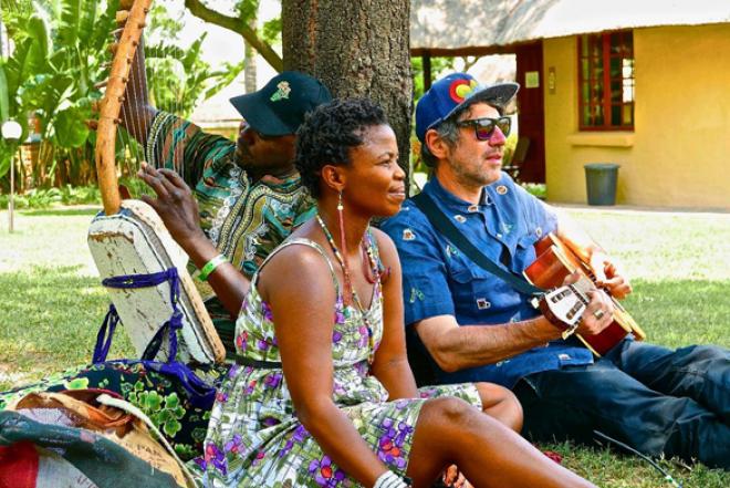 Africa Express fait collaborer scènes sud-africaines et européennes sur l'album Egoli