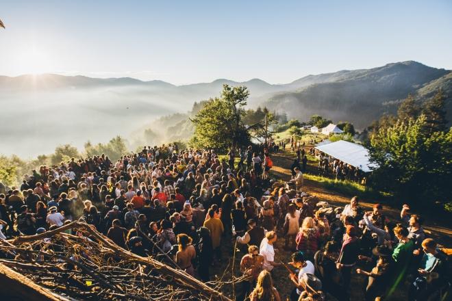 Au-dessus des nuages sur les montagnes bulgares : la magie du festival Meadows In the Mountains