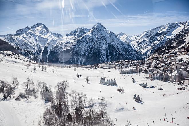 Brox festival invite la crème de la scène française aux 2 Alpes pour deux jours entre skis et dancefloor