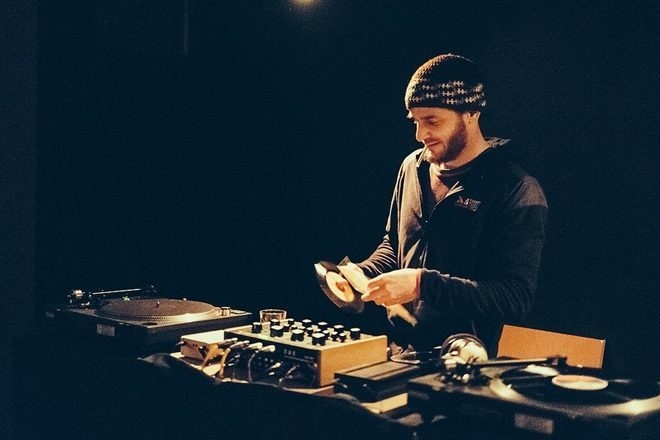 Le DJ français Cedric Woo accusé d'avoir volé un disque à 70€ dans un disquaire de New York