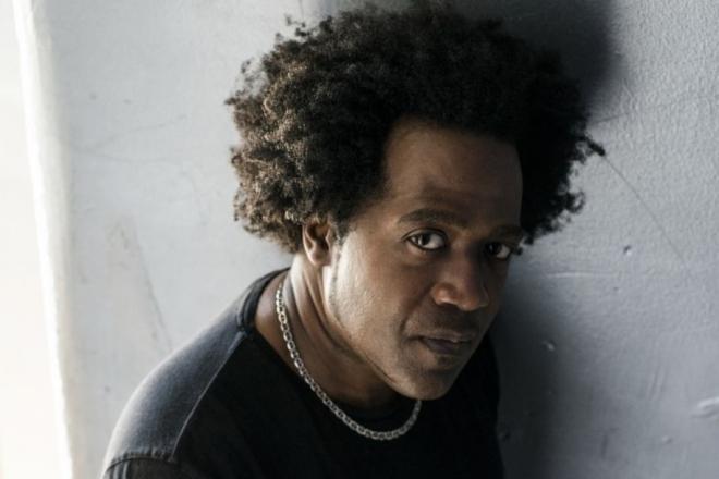 DJ Pierre célèbre 35 ans de carrière avec 35 remixes de 'Acid Tracks'