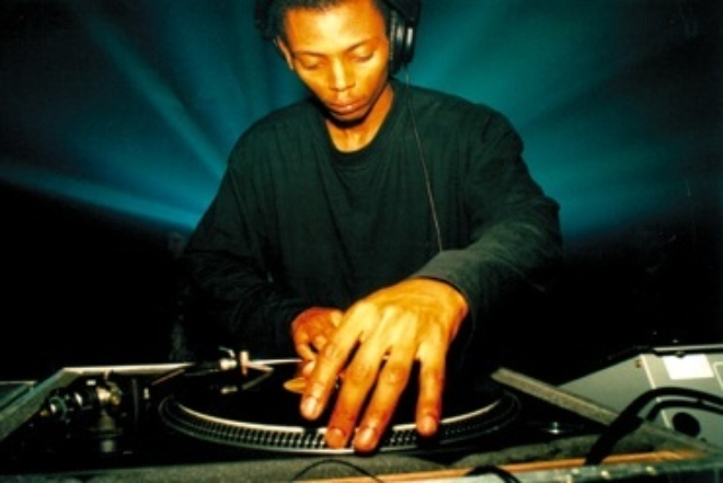 À voir : 3H de set de Jeff Mills au Japon en 2002 | Archives