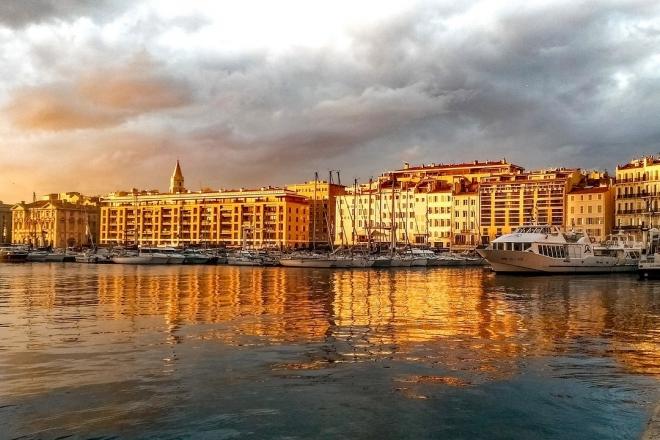 Marseille : Marsatac renchérit avec tout un jour de closing, les pieds dans l'eau