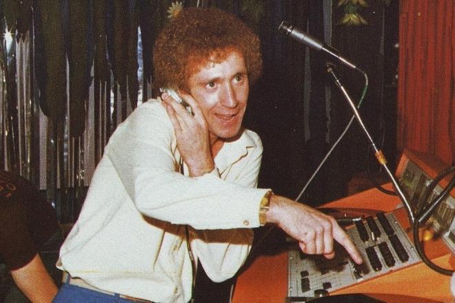 Vidéo : L'histoire de la musique électronique, racontée par ses DJs mythiques, de Jeff Mills à Derrick May