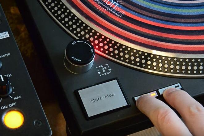 Cette platine Technics modifiée fonctionne comme un système de vinyle numérique