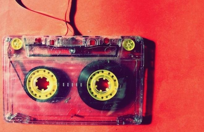 Ces archives d'émissions de radios pirates célèbrent la rave révolution