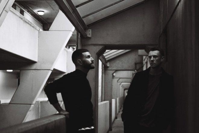 Bicep sort un clip 90's trippant pour son EP 'Rain'