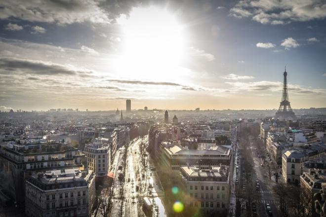 La mairie de Paris promet des fêtes en plein air pour le printemps prochain