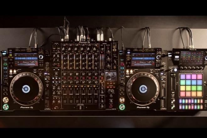 Pioneer veut révolutionner le DJing avec sa nouvelle table de mixage à 6 voies