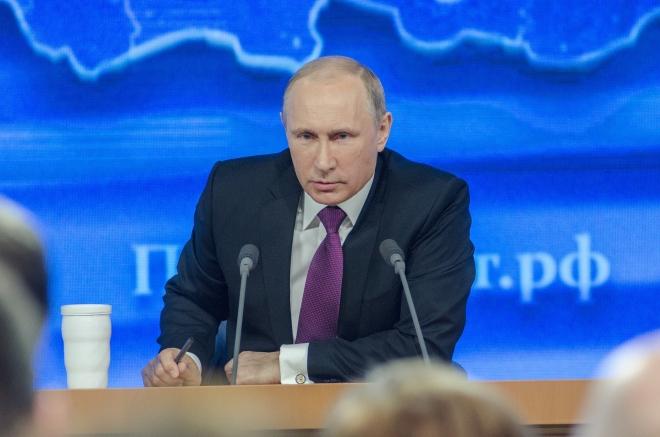 """Vladimir Poutine veut que le Kremlin """"s'occupe"""" du rap en Russie"""
