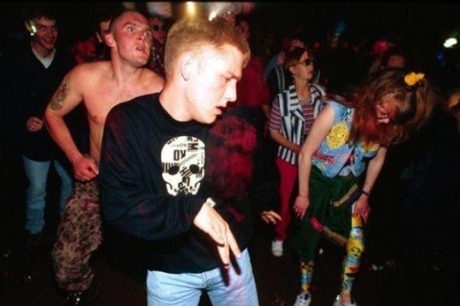 """Face à la loi """"anti-rave"""" adoptée par le Sénat, les défenseurs de la fête libre s'insurgent"""
