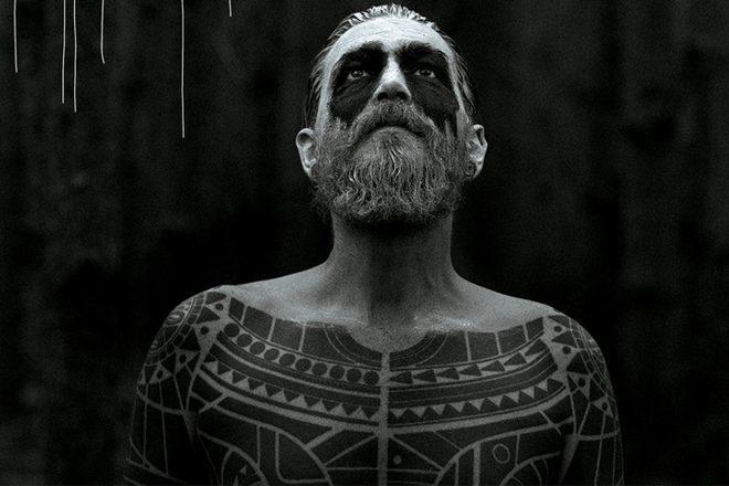 Le premier album de Rødhåd va vous embarquer «dans un monde prêt à vous briser»