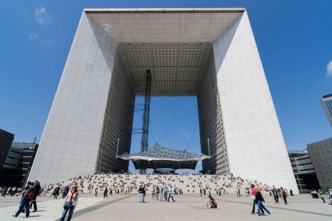 Le rooftop de l'arche de la Défense va accueillir des apéros électroniques cet été