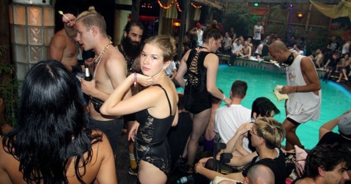 Black underground clubs de sexe