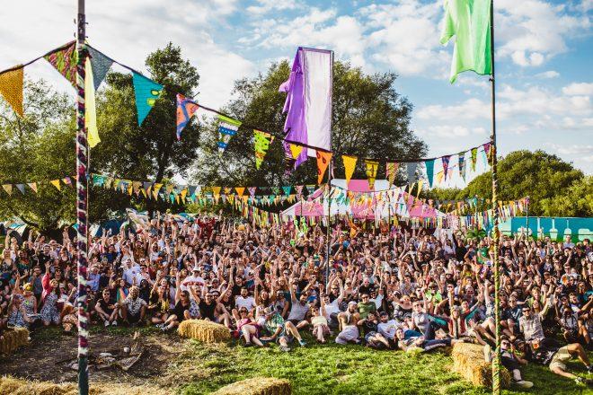 Retour à l'essence de la rave à Field Maneuvers, un festival comme on n'en fait plus